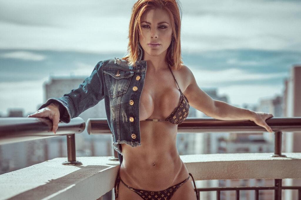 Ensaio sensual de Deborah Albuquerque do Power Couple Brasil 5