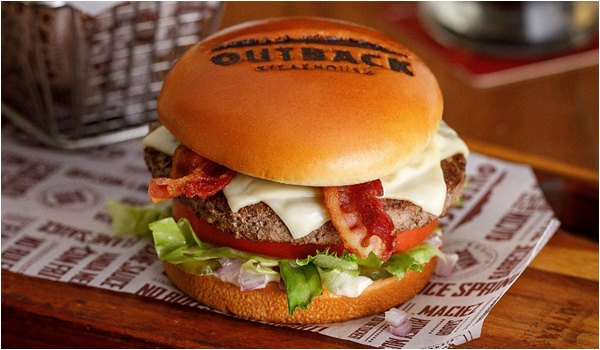 Combo de Burgers em delivery no Outback SteakHouse