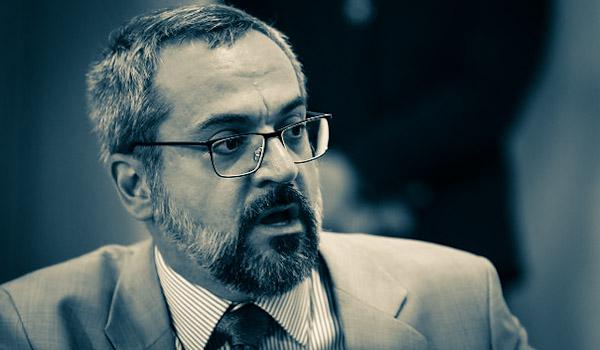 Abraham Weintraub deixa o MEC
