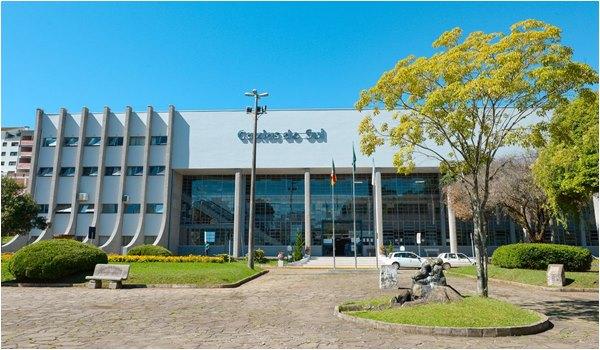 Caxias do Sul : novo decreto municipal mantém fechamento do comércio e flexibiliza funcionamento de serviços